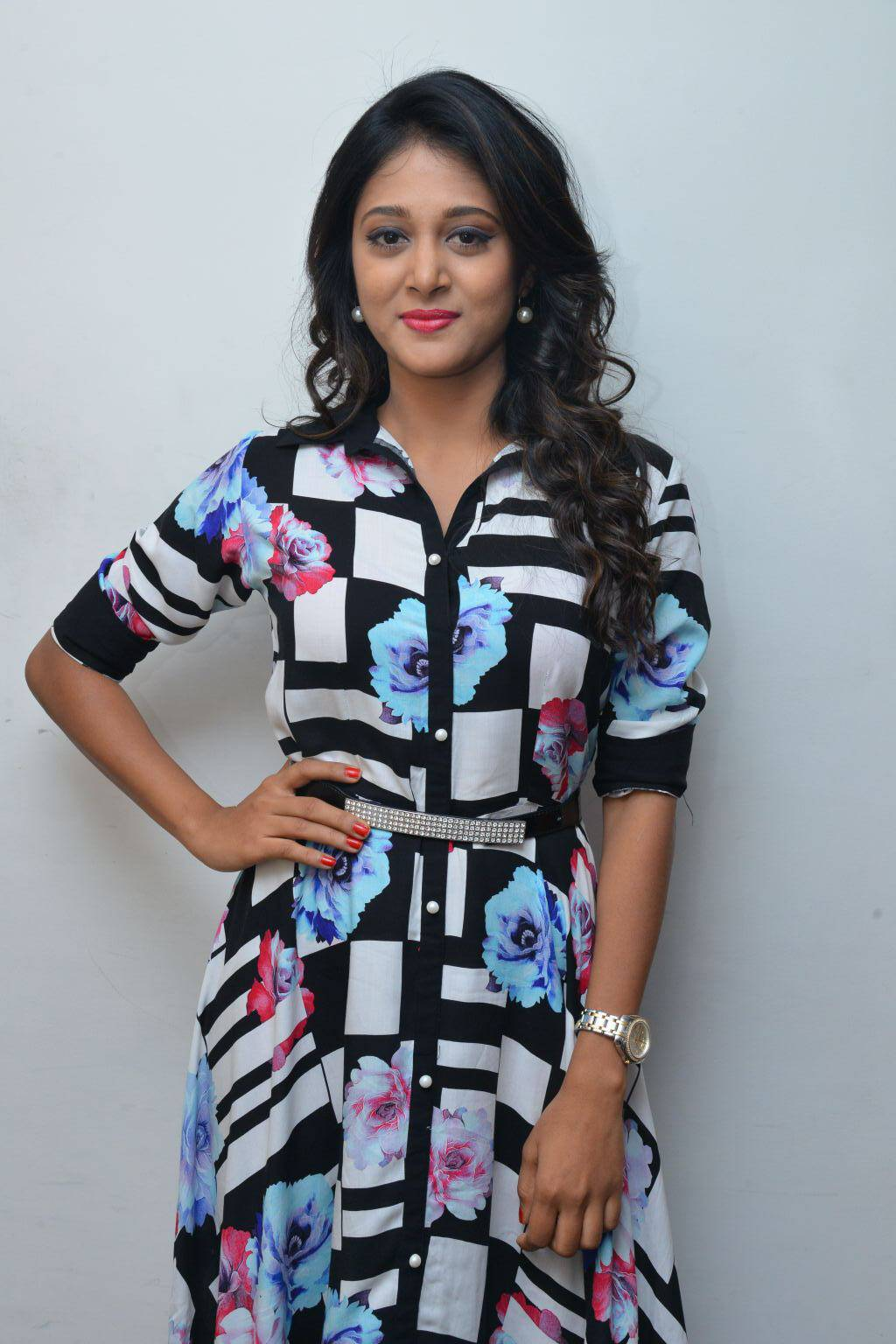 South Indian Actress Sushma Raj Smiling Stills At Movie Promotions At Radio City