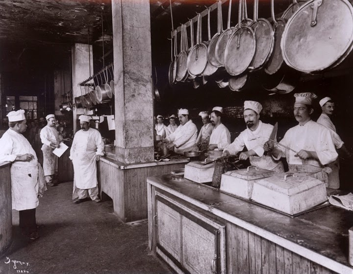 Delmonico S Kitchen Cutlery Set