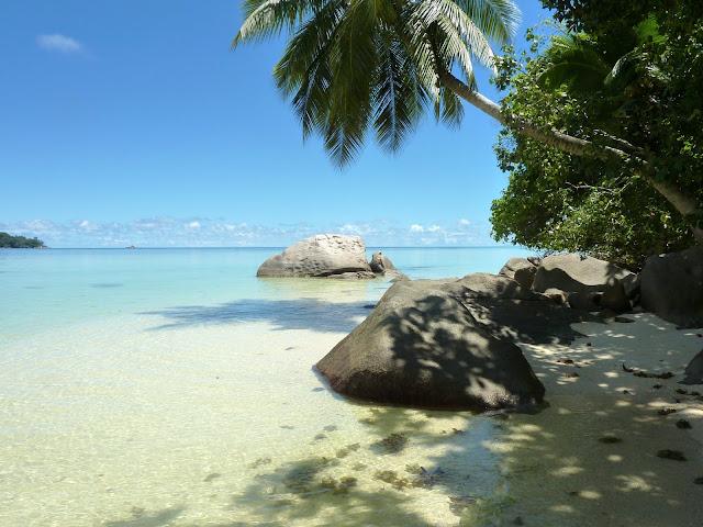 https://voyagestousrisques.blogspot.com/2018/08/seychelles-les-plus-belles-plages.html