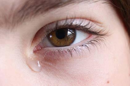 الإسعافات الأولية فى حالة إصابات العيون .