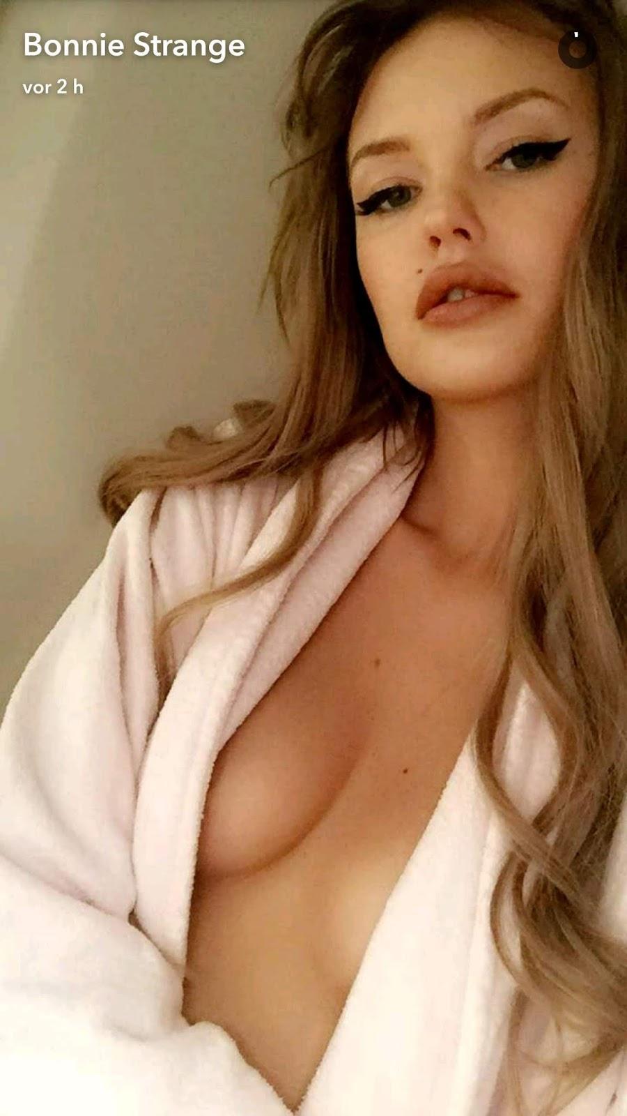 Bonnie Strange Porno