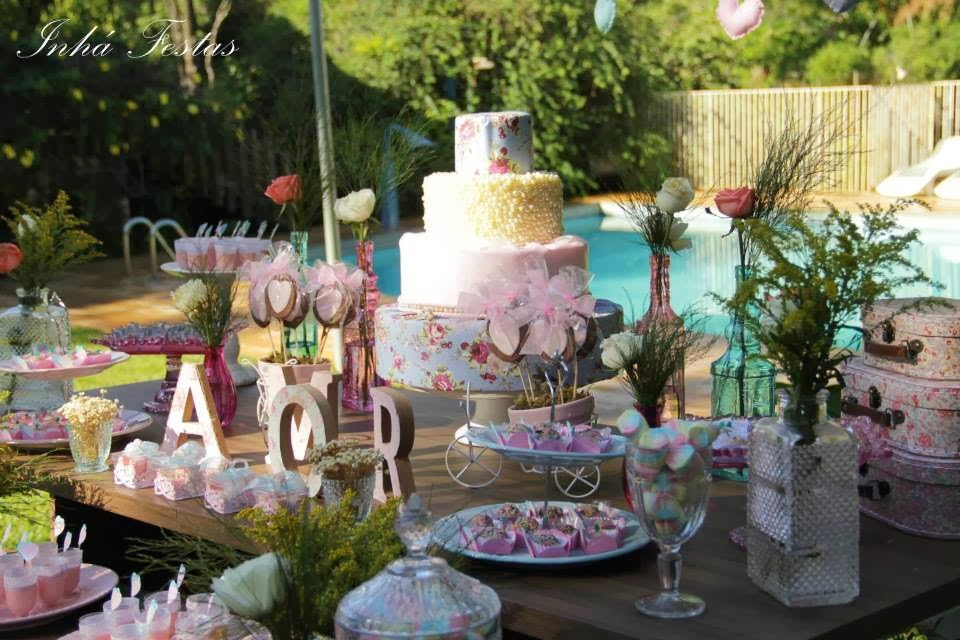 festa-decoracao-romantica-mesa-bolo-2