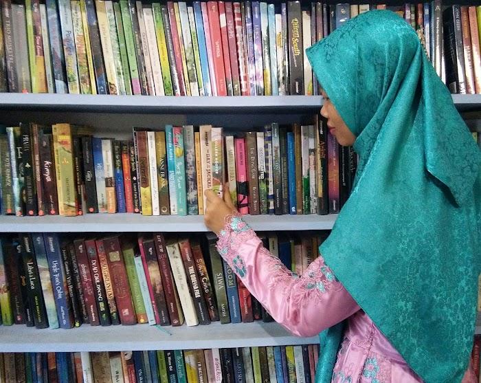 Luckty, Pegiat Literasi Perempuan Berpengaruh dari Kota Metro