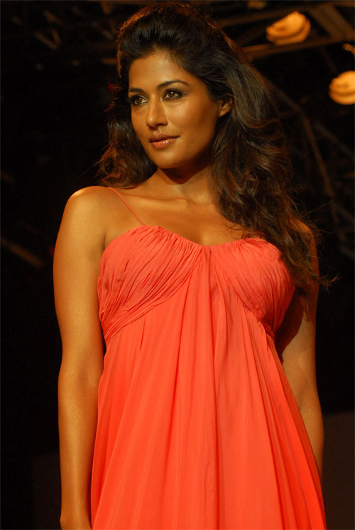 Hot Chitrangada Singh Pics, Desi Boys Actress Photos -4848