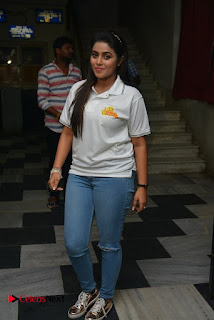 Actress Poorna Stills in Jeans with Jayammu Nischayammu Raa Team at Satyam Theatre  0013