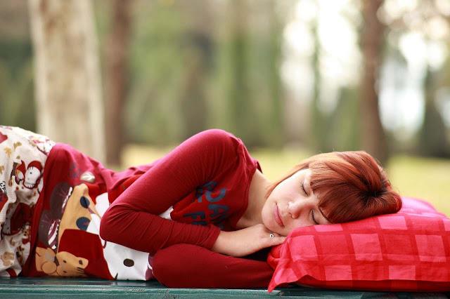 makanan yang bisa membantu tidur nyenyak