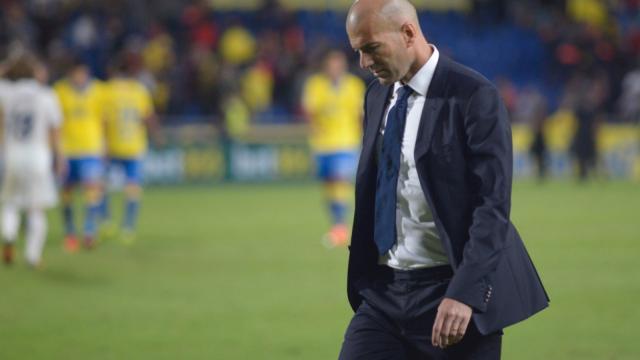 Zidane abandona el estadio de Gran Canaria sin los 3 puntos