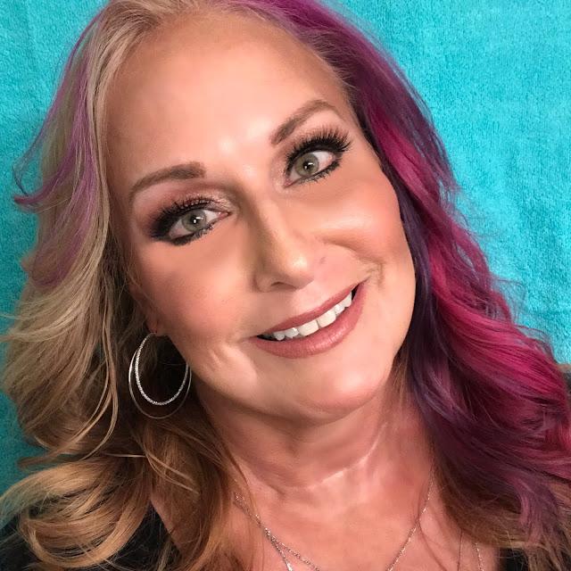 Shelley Plummer, Polarbelle, beauty blog, beauty blogger, interview, First Look Fridays interview series
