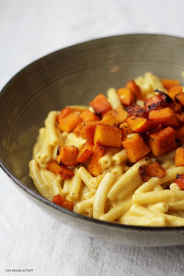 Vegane Mac n Cheese mit geröstetem Kürbis | Penne im Topf | Bloglovin\'