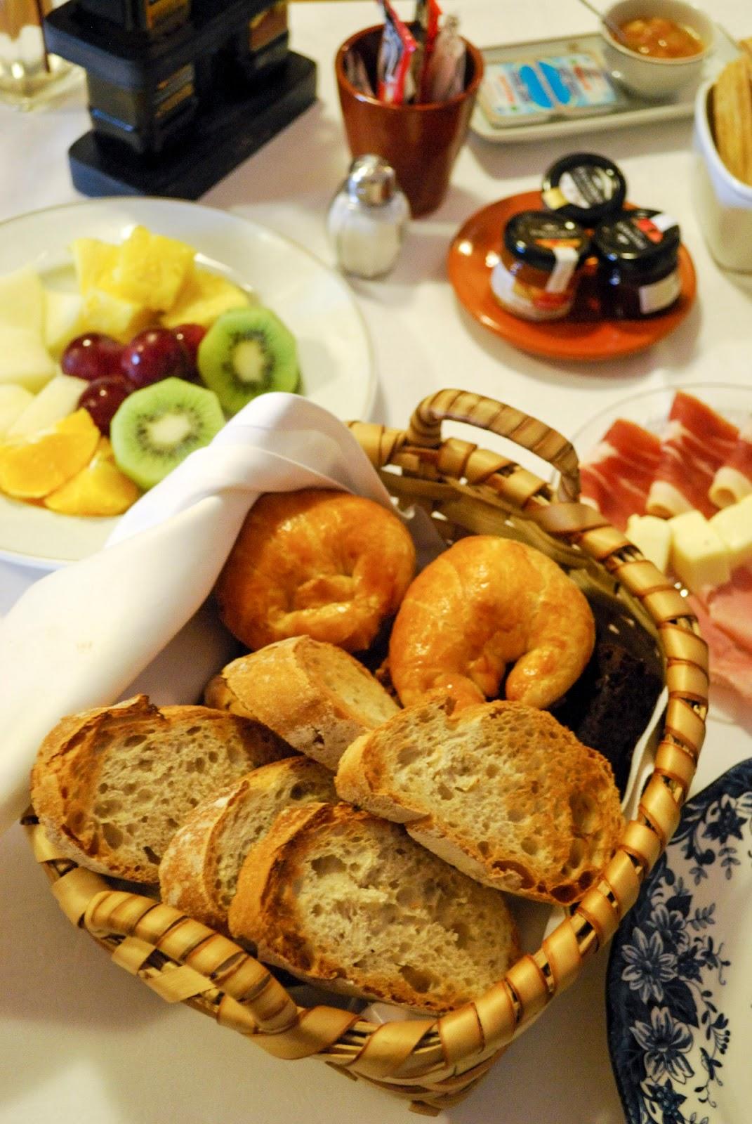 delicacies food gastronomy galicia spain restaurant parador monterrei hotel