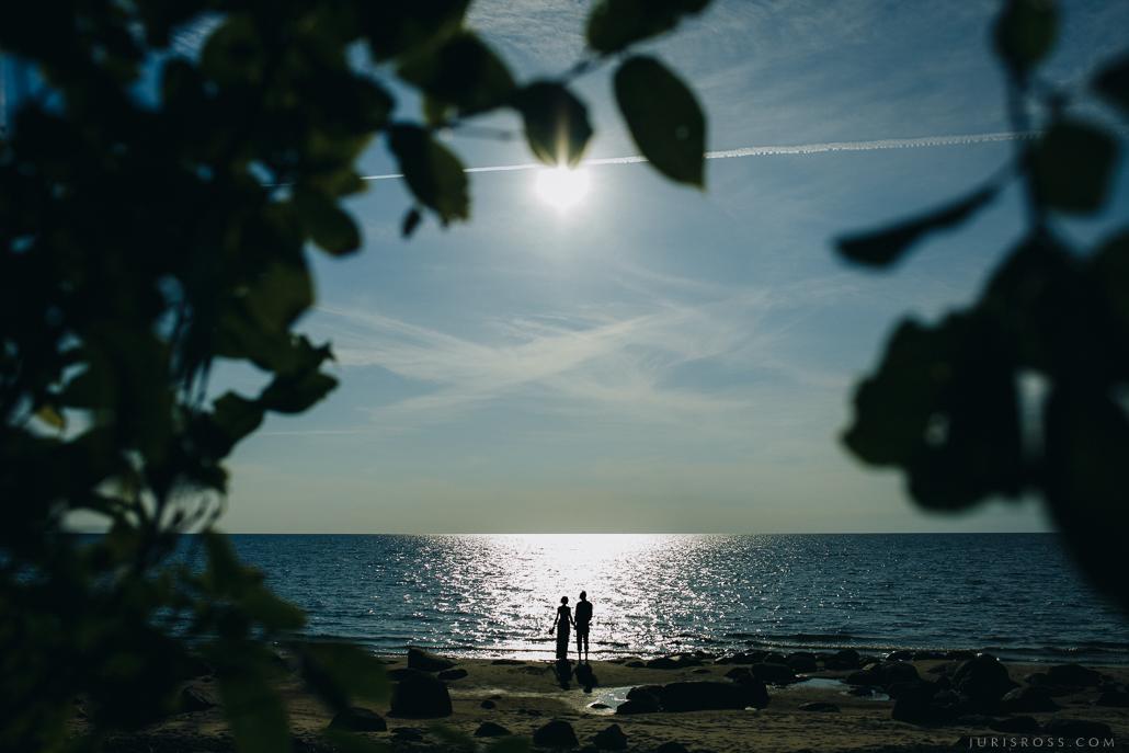 nestandarta kāzu fotogrāfija