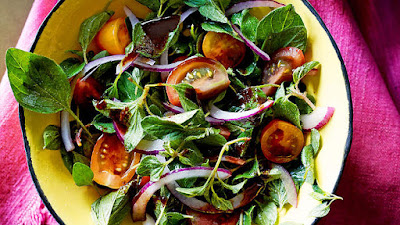 Fresh oregano salad with pomegranate molasses and sumac Fresh oregano salad with pomegranate molasses and sumac recipe