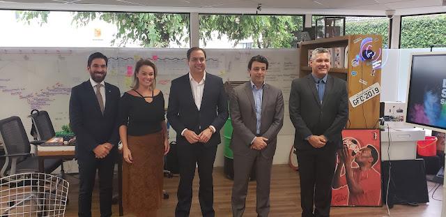 CEO da Accenture anuncia 2,5 mil novas vagas em Pernambuco e investimento em Centro de Inovação