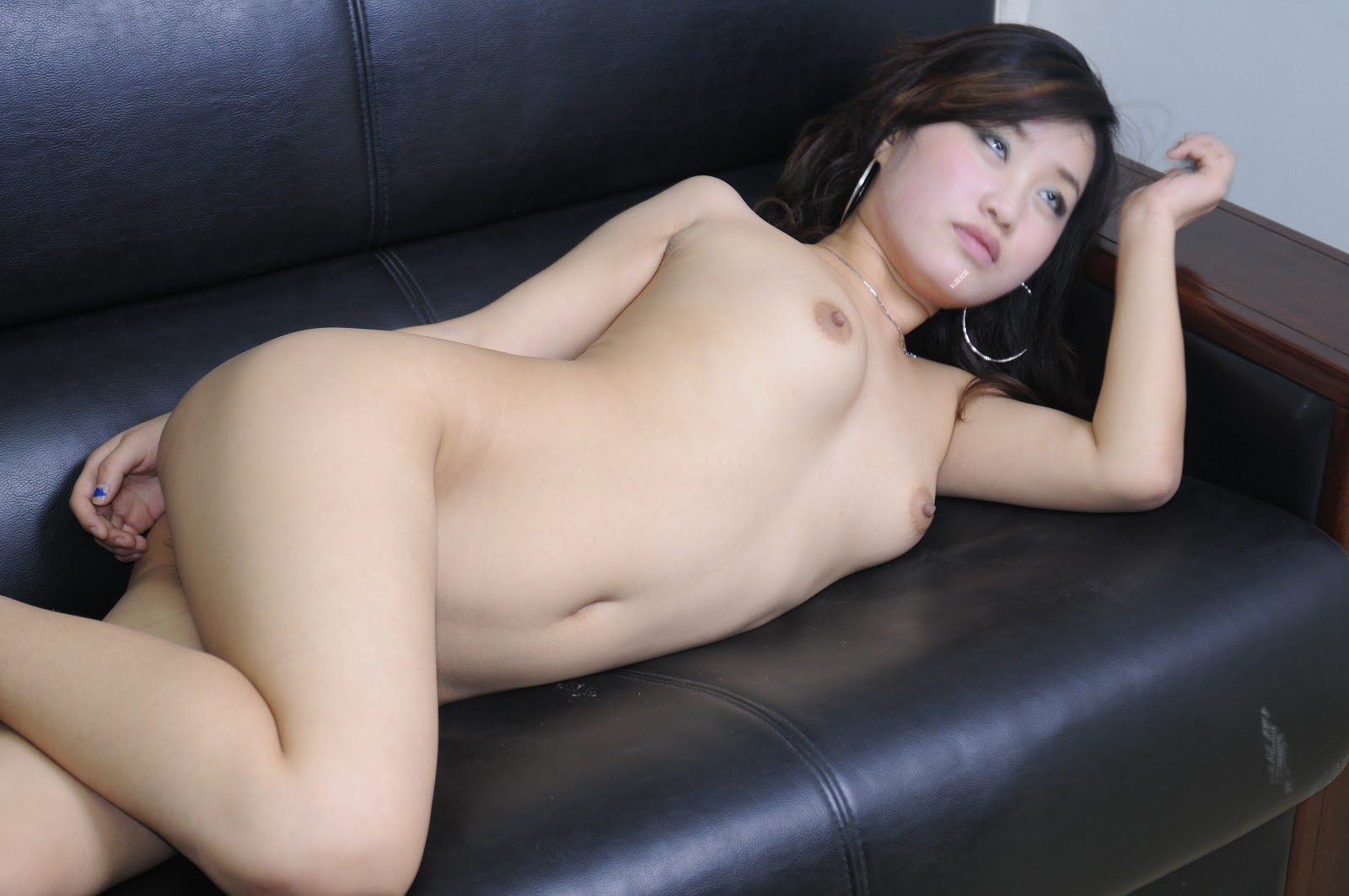 Chinese Nude_Art_Photos_-_200_-_XiaJi.rar chinese 07040