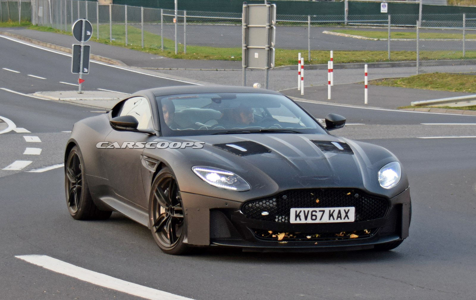 aston martin 39 s next vanquish to rival ferrari 812. Black Bedroom Furniture Sets. Home Design Ideas