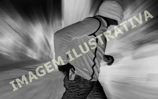 Homem encapuzado assalta lanchonete em Roncador
