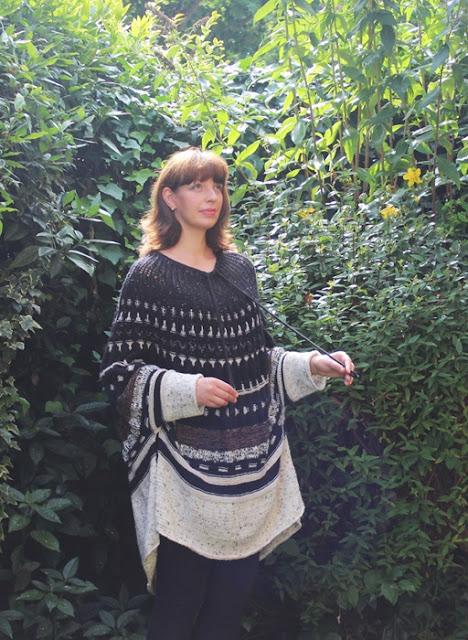 ponczo na drutach okraglych