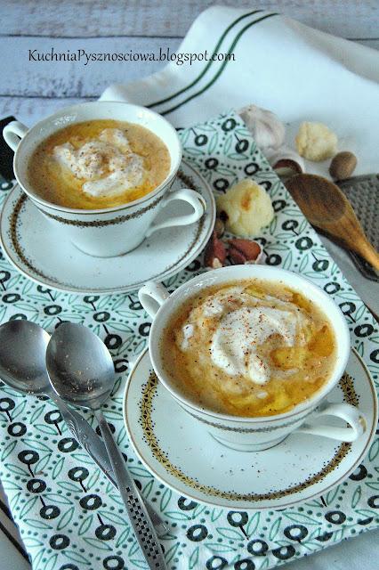 479. Zupa krem z pieczonego kalafiora i czosnku