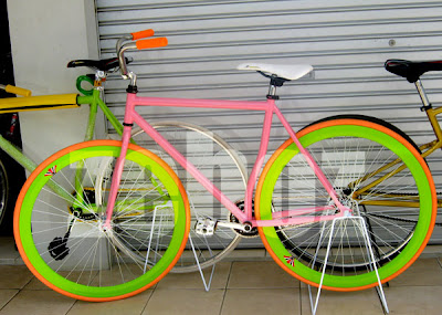 Harga Sepeda Fixie Murah Keren Manis helmi 154 pbie