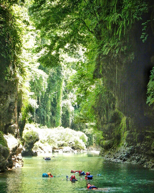 foto pemandangan green canyon pangandaran keren