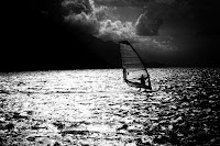 http://fineartfotografie.blogspot.de/2016/12/sailsurfer-black-and-white-photography.html