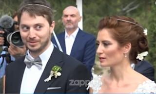 Η αμήχανη στιγμή που ο γιος της Έλλης Στάη δεν ξέρει το Πάτερ Ημών στον γάμο του