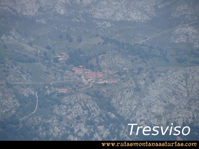 Ruta Macondiú, Samelar y Sagrado Corazón: Vista de Tresviso desde el Samelar.