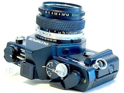 Olympus OM-2S, Top front oblique