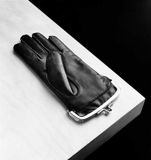Нестандартные композиции фотографа Чемы Мадоза, Испания, фотографы, черно-белые фото, Чема Мадоз, Chema Madoz, фото предметов, оригинальные фото, прдметы как искусство, искусство фотографии, сюрреализм, сюрреалистические фото, нестандартные образы, искусство, коллекция фото, фотохудожники,