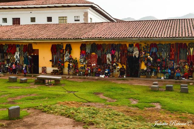 Marché artisanal à Cusco au pérou