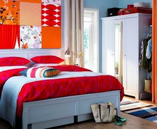 dormitorio lleno de color