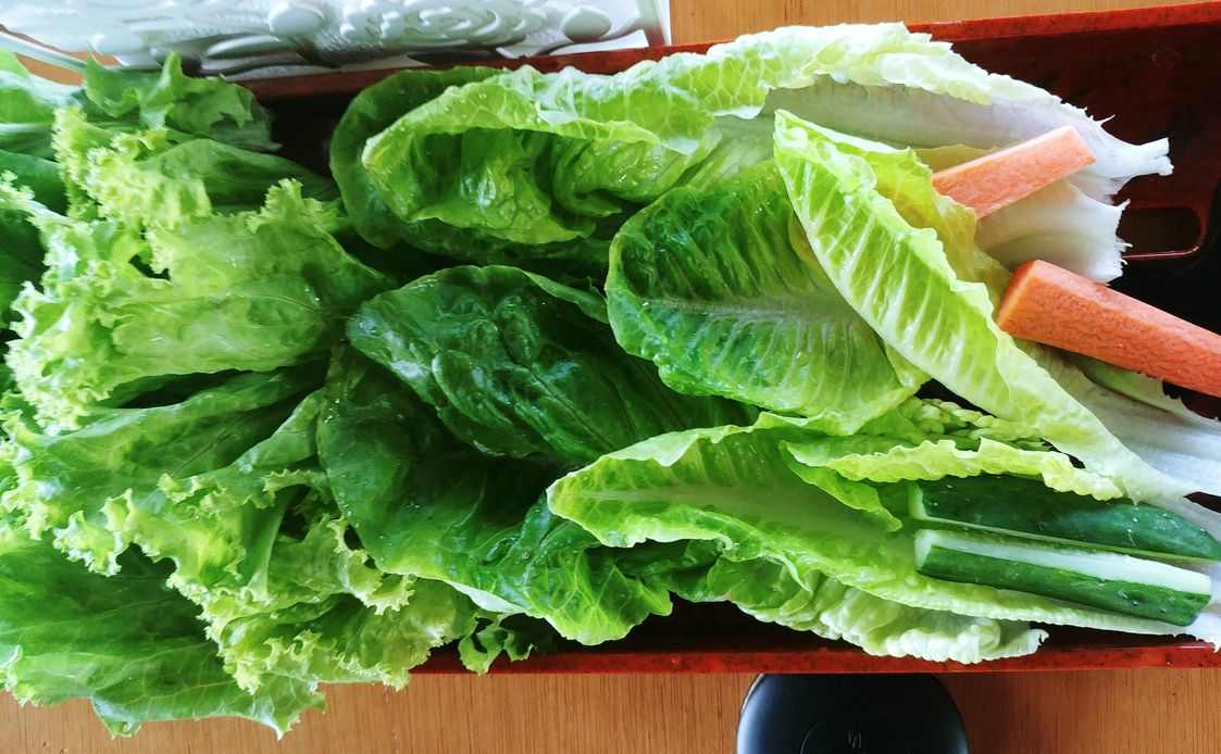 fresh and crisp unlimited lettuce leaves at nice two Meat u