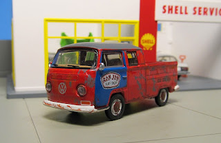 GreenLight Ron Jon Surf Shop 1968 Volkswagen Type 2 T2 Double Cab Pickup