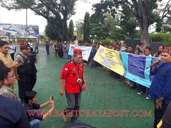 Warga 7 Desa Tagih Janji PT. AGU dan DSN