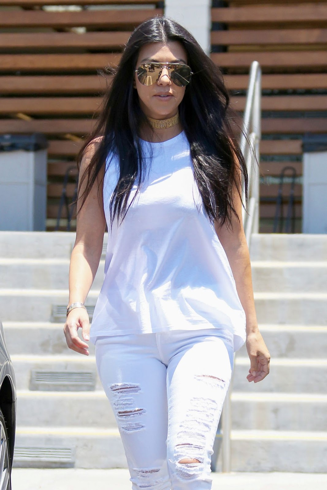 Kourtney Kardashian Leaves Hugo's Restaurant In Los Angeles