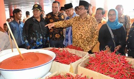 Wakil Ketua MPR RI Kunjungi Pasar Raya Padang