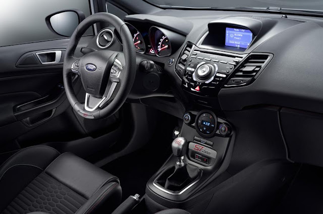 Ford Fiesta ST 200, interior