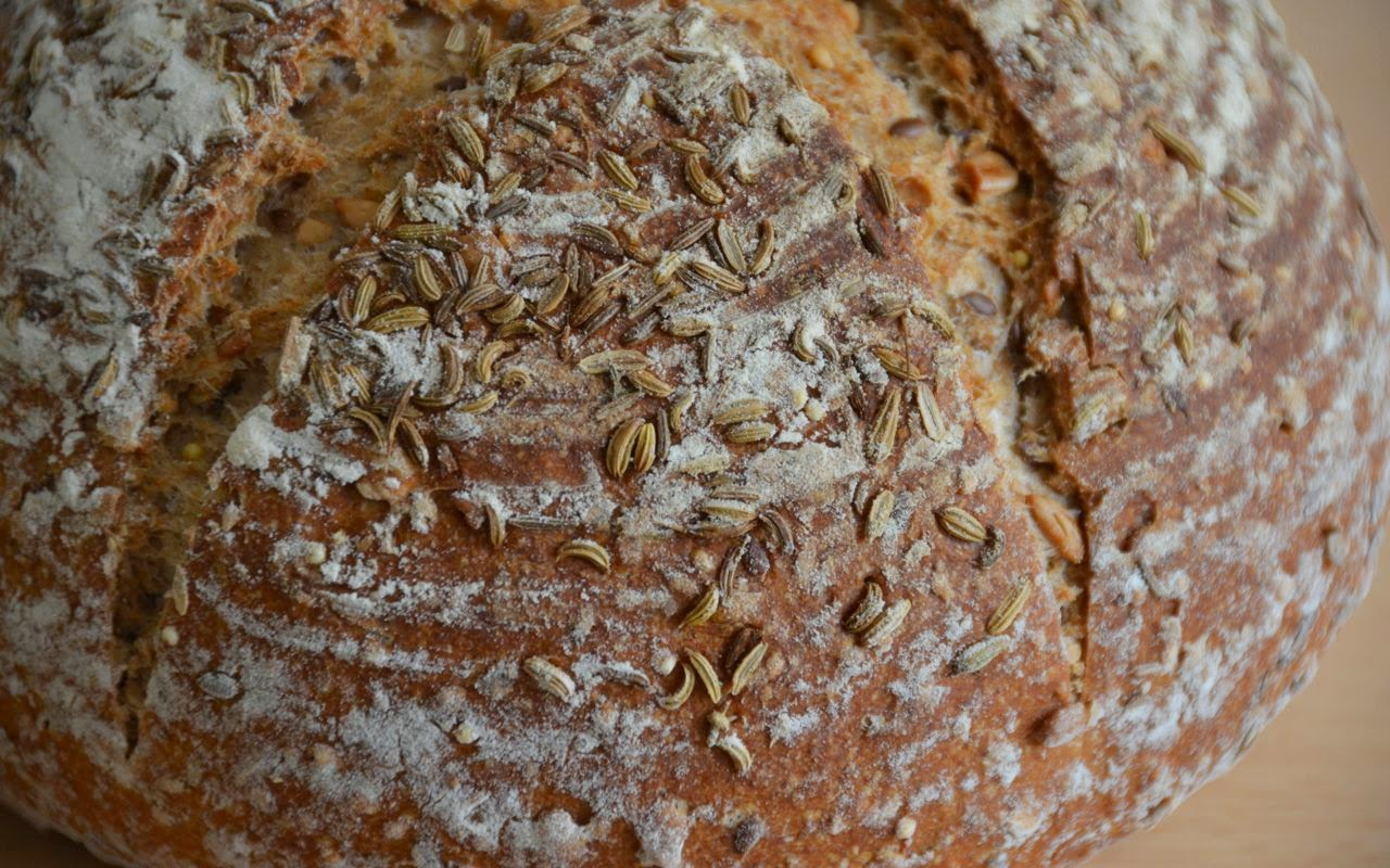SOURDOUGH BREAD WITH WHOLE WHEAT, RYE AND SPELT