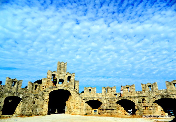 Muralhas da cidade medieval de Rodes - Grécia