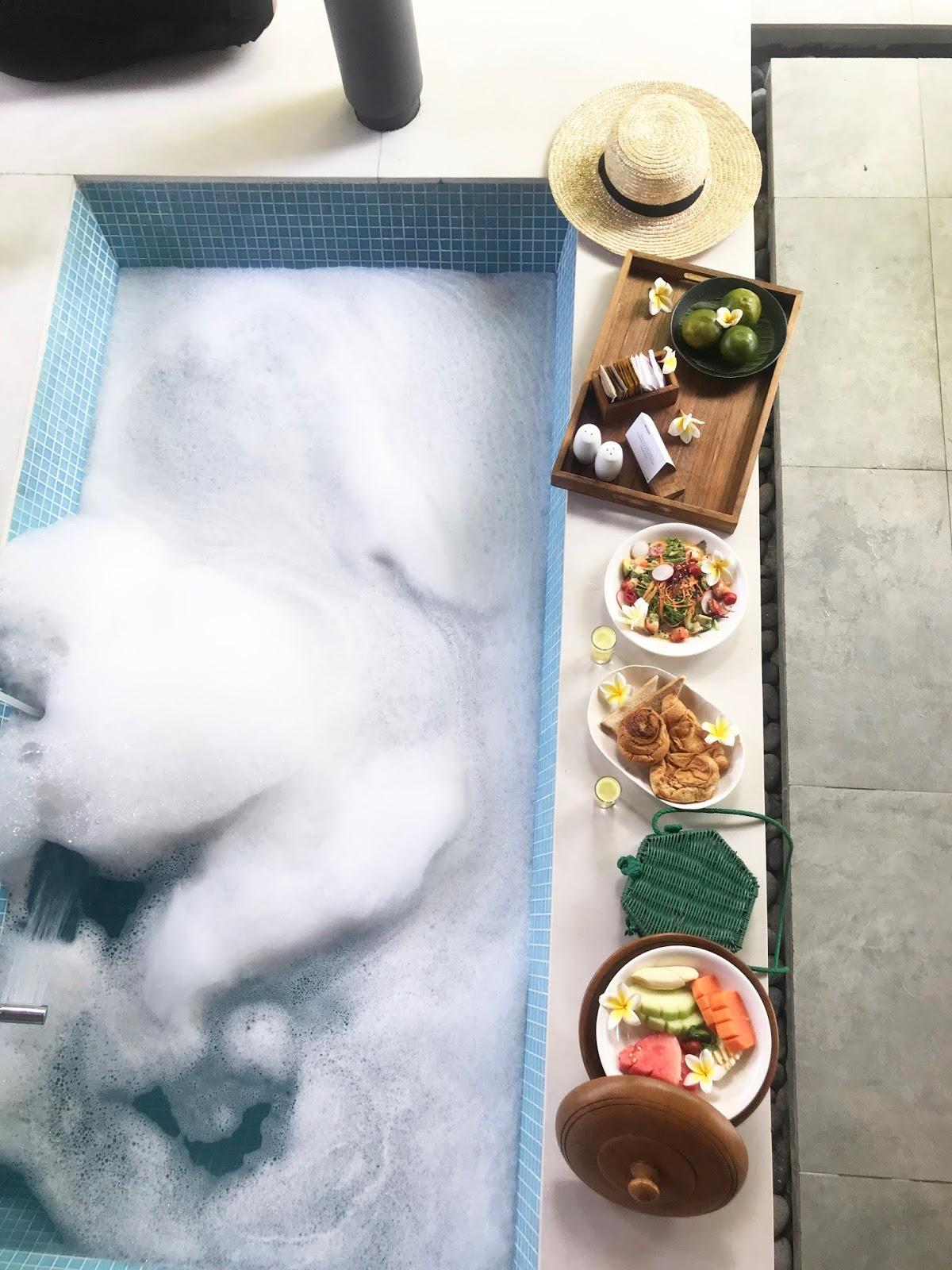 The Santai Bathtub