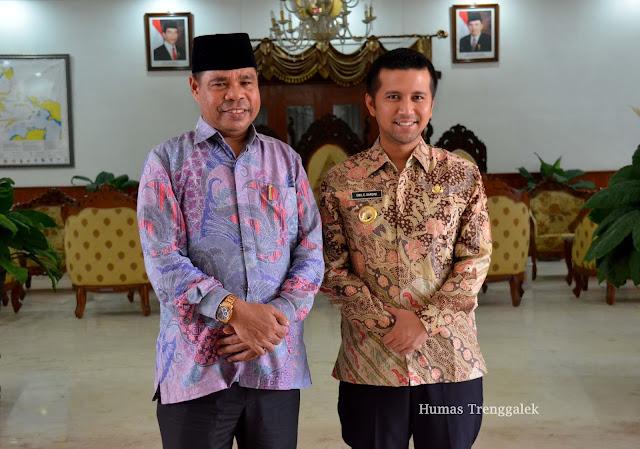 Bupati Emil Dardak Terima Kunjungan Sahabat Lamanya, Wakil Walikota Tual