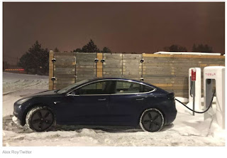 Tesla Model 3 rechargingi in snow (Credit: Alex Roy Twitter) Click to Enlarge.