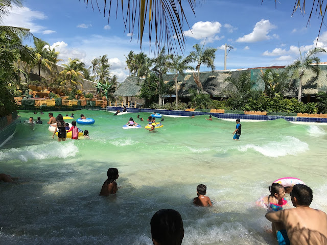 Leisure Coast Resort wave pool