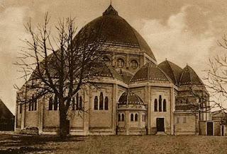 Sint Agatha-kerk te Beverwijk, ontworpen door Joseph en Pierre Cuypers jr. en in 1924 voltooid.