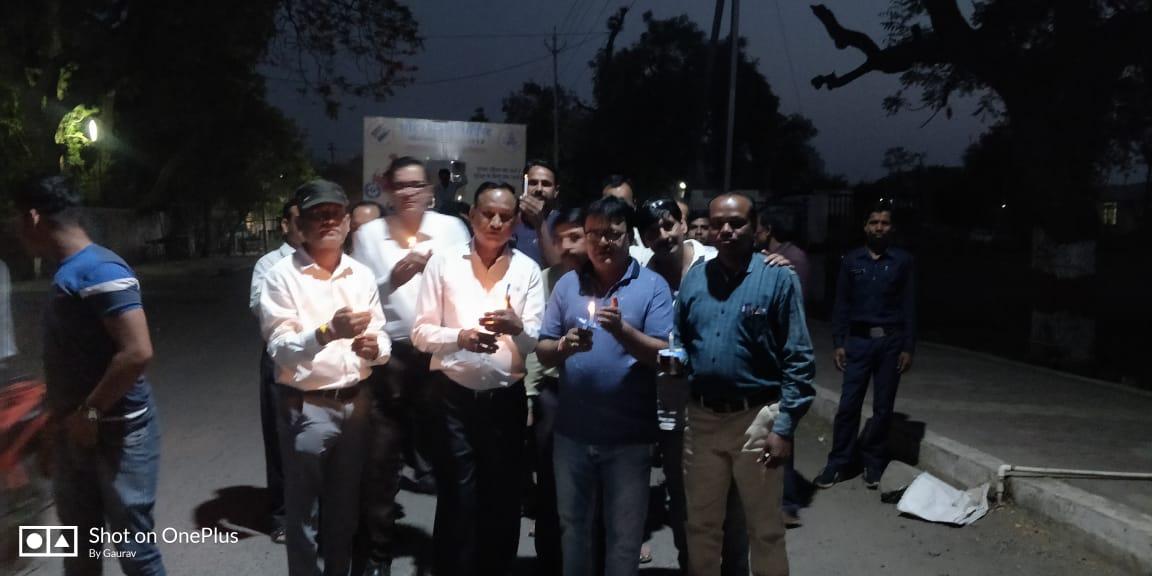 election voting candle march in assembly constituency Thandla jhabua -विधानसभा क्षेत्र थांदला मे कैंडल मार्च निकालकर किया मतदान हेतु आहवान