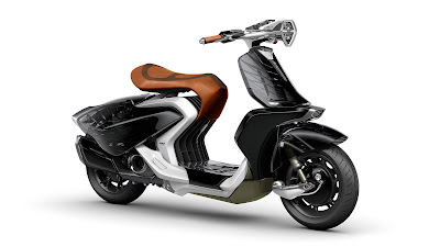 Yamaha 04Gen Concept Scooter side angle