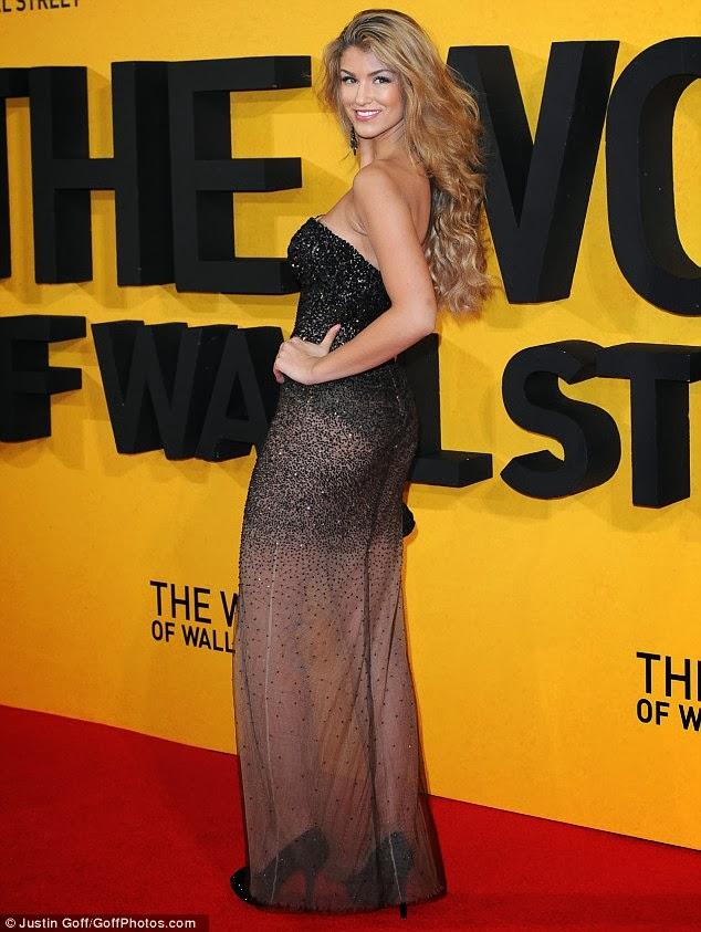 The Wolf Of Wall Street Vo : street, Fashion, Modelling, Willerton, Flashes, Underwear, Derriere, Sheer, Sequin, Street, Premiere