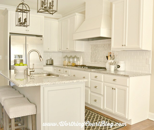 Worthington Court Kitchen Backsplash-White Kitchen-Treasure Hunt Thursday-From My Front Porch To Yours