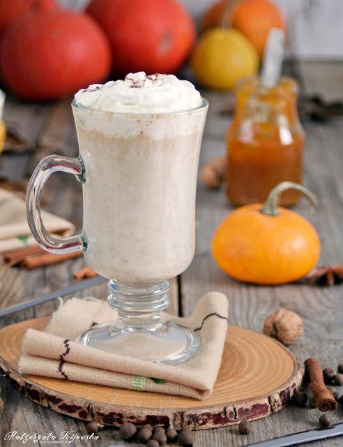 pumpkin spice latte dla dzieci, bez kofeiny, mleko z syropem dyniowym, daylicooking