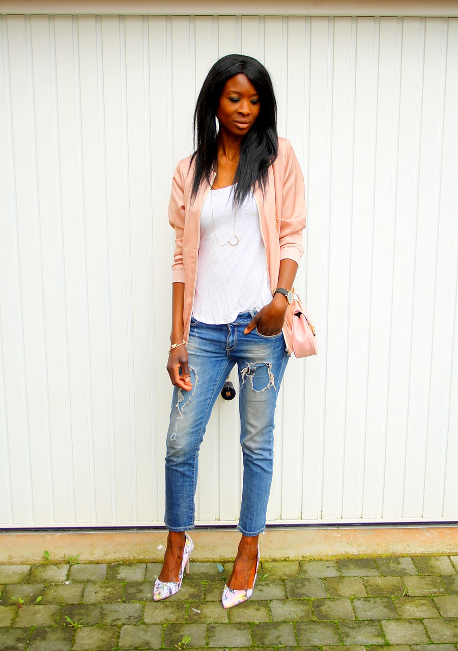 blouson-bomber-satin-rose-asos-sac-chloe-drew-ripped-jeans-escarpins-fleurs-blog-mode